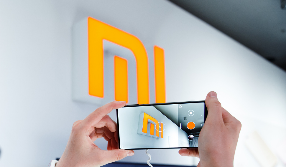 Globalized Chinese Business Groups: XIAOMI : High technology at low cost eleonore william